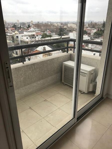 departamento monoambiente con balcon.