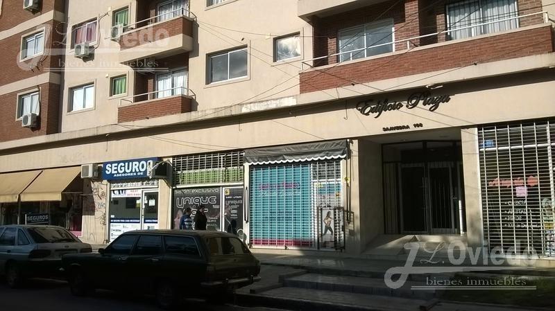 departamento moreno centro en la esquina de shopping**