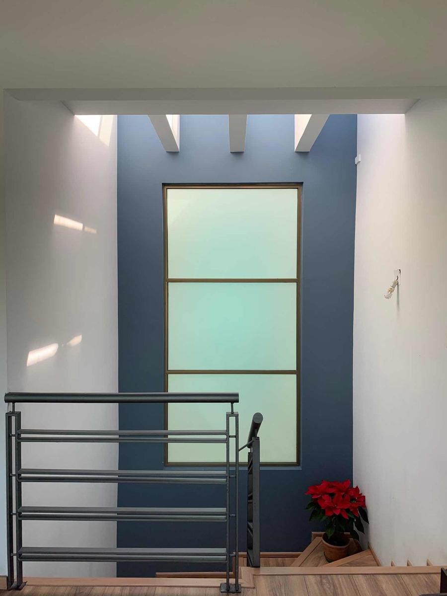 departamento ph dos pisos 3habitaciones. terraza increíble