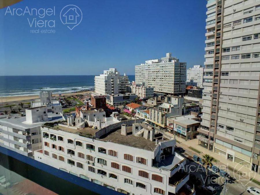 departamento piso alto frente al mar , terazza con parrillero, punta del este, playa mansa