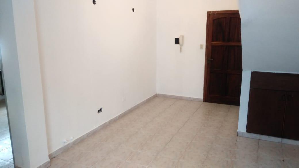 departamento planta baja 2 dormitorios , patio y terraza -70 mts 2 -la plata