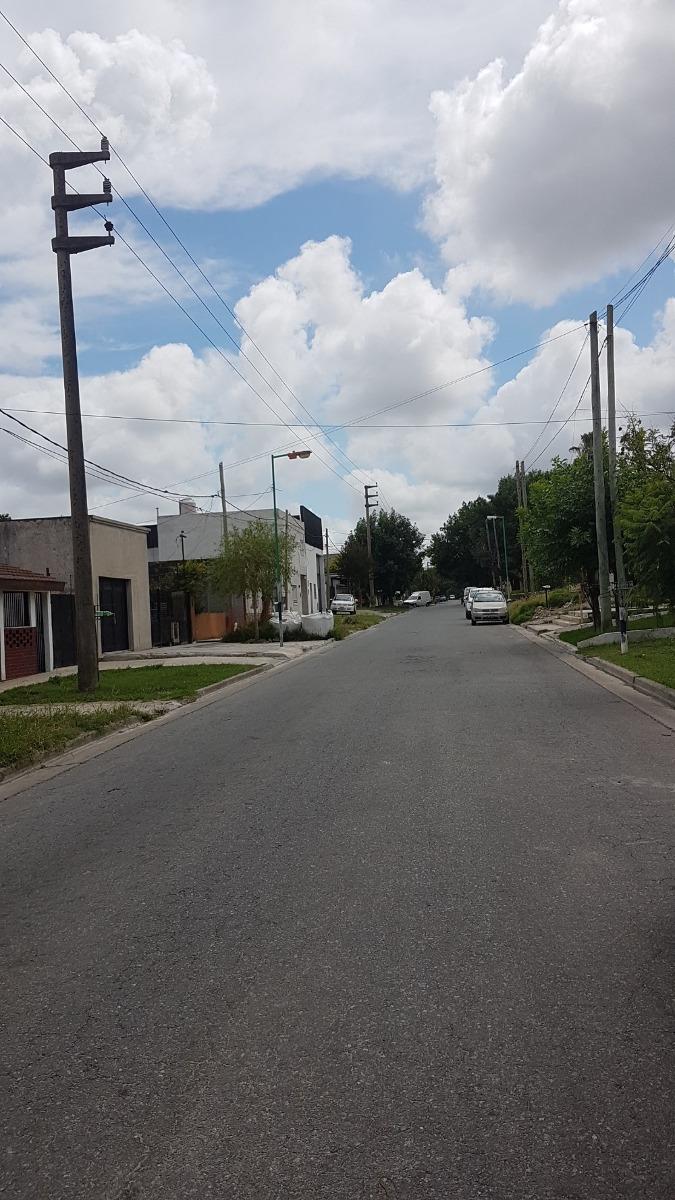 departamento sobre avenida, san carlos