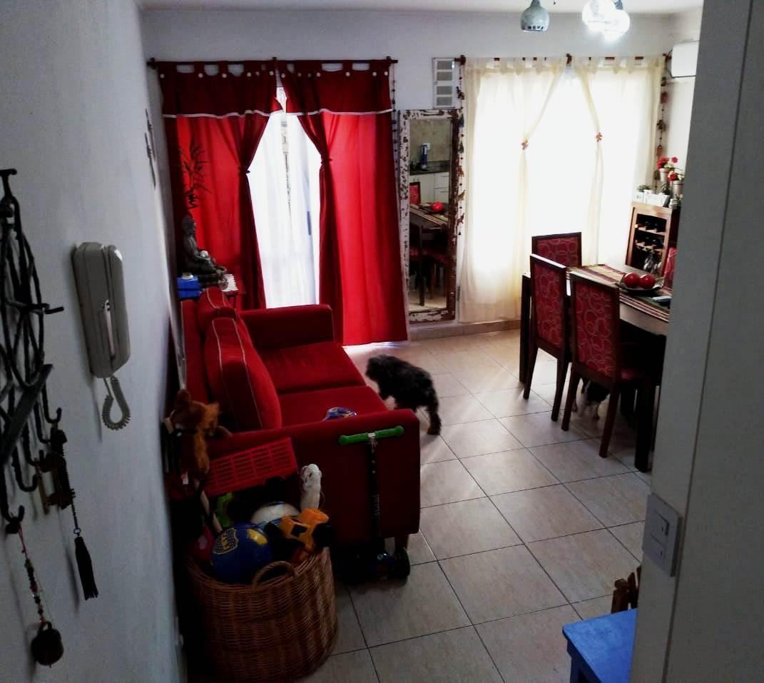 departamento tipo casa 2 ambientes con patio, en planta baja