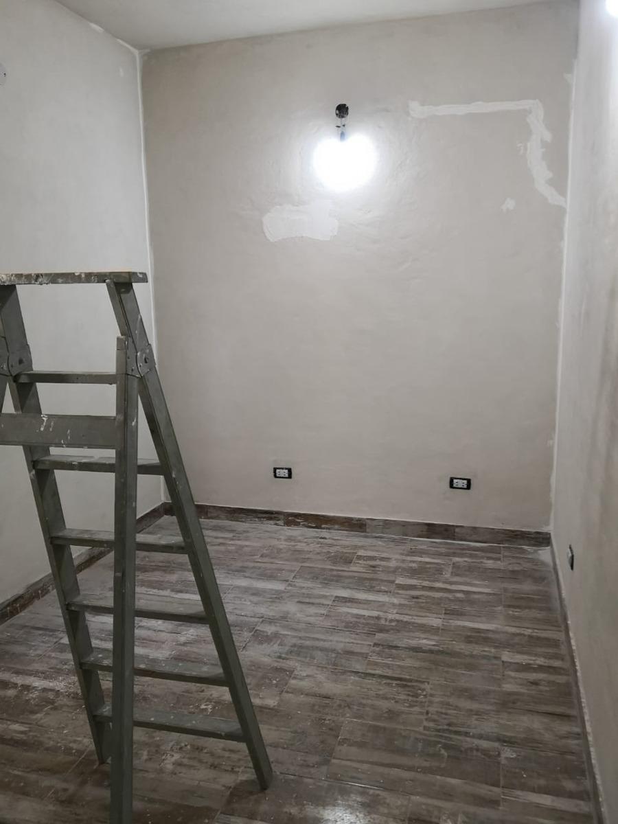 departamento tipo casa 2 ambientes en venta en lanus (096)