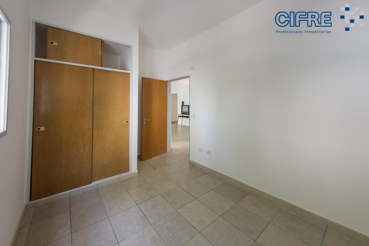 departamento tipo casa 3 ambientes a estrenar al frente muy luminoso.