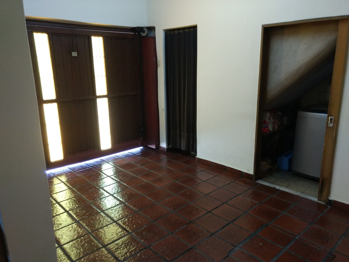 departamento tipo casa 3 ambientes cochera y local