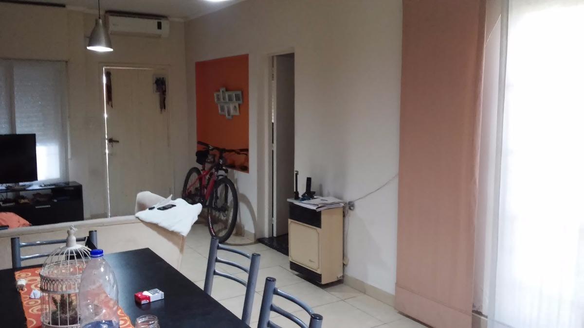 departamento tipo casa al frente en venta con cochera