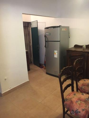 departamento tipo casa de tres ambientes en villa bosch.