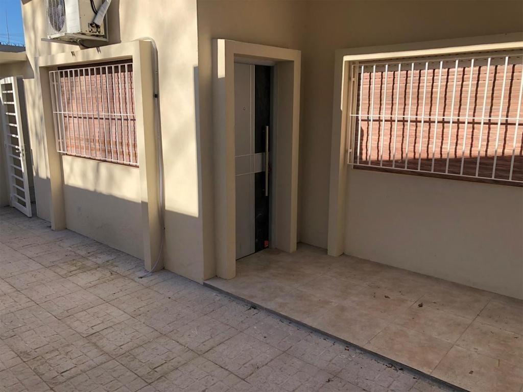 departamento tipo casa en alquiler, centro (moreno) -