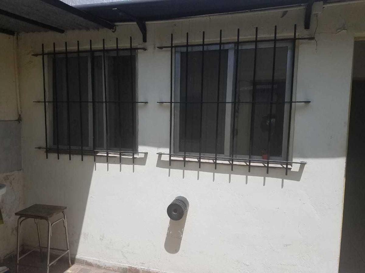 departamento tipo casa interno 3 amb - caseros sur
