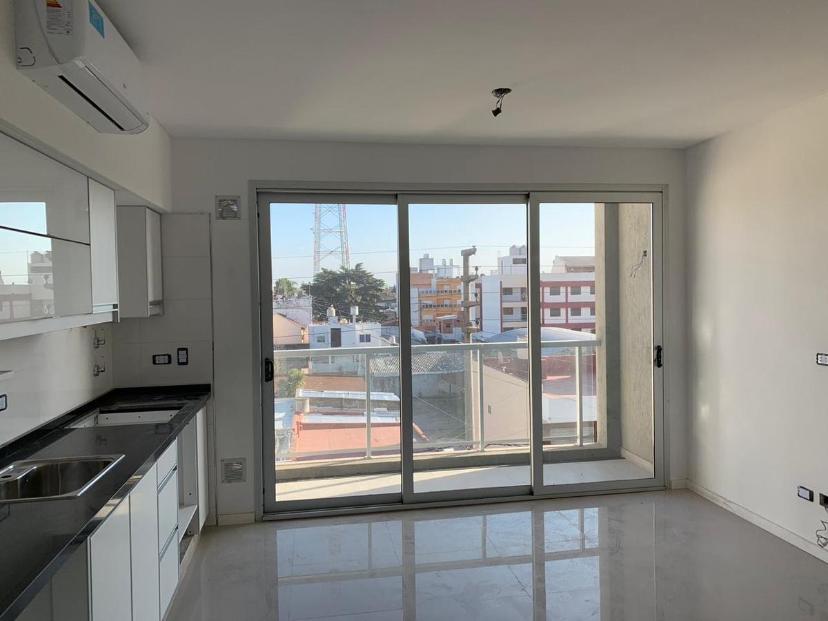 departamento tipo duplex 2 ambientes c/ cochera - s.justo (ctro)