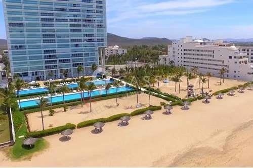 departamento  totalmente amueblado en venta  en península mazatlán