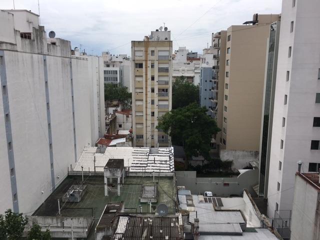 departamento tres ambientes a la calle en plaza mitre