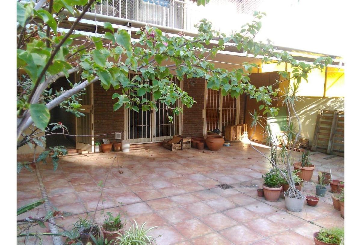 departamento tres  ambientes con cochera con dos patios y ba