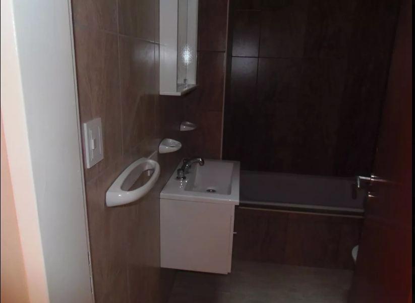 departamento  venta 1 dormitorio al contra-frente y 60 mts 2 -la plata