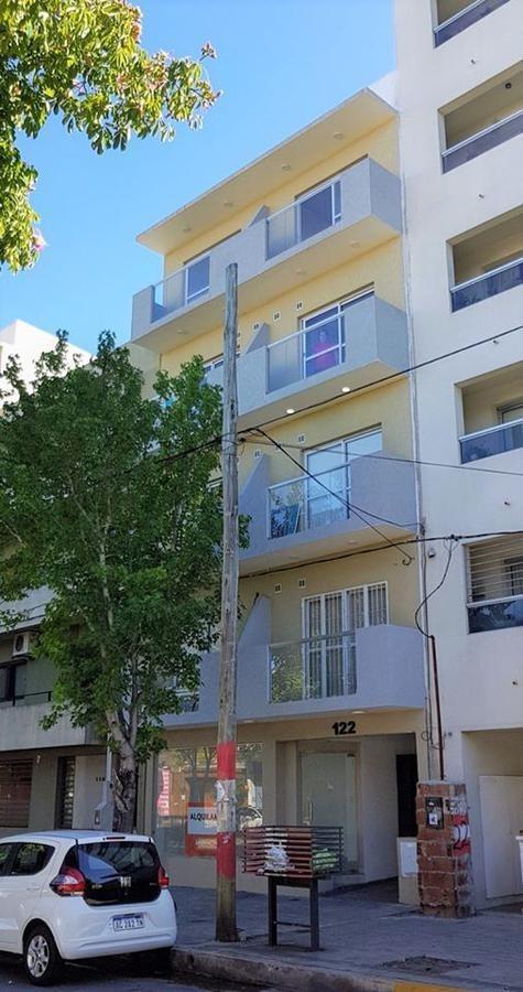 departamento venta -1 dormitorio terraza propia - 84 mts 2 totales-la plata