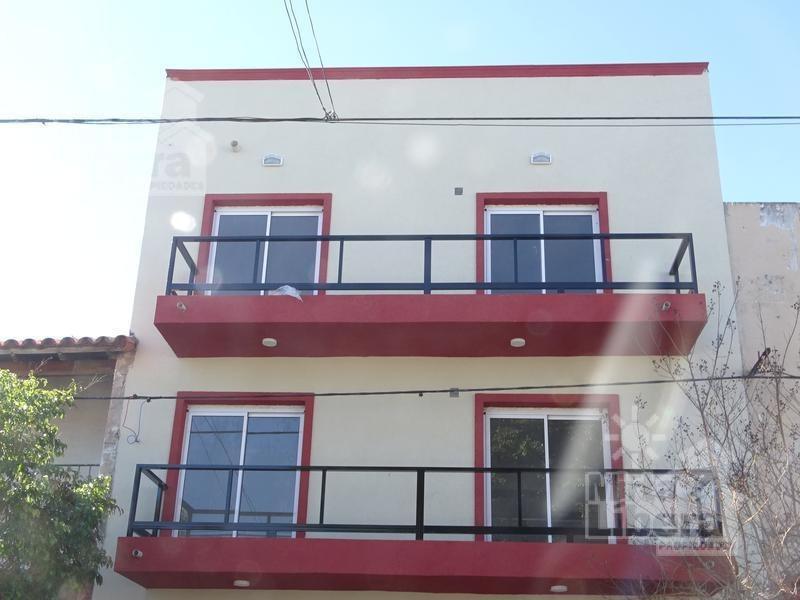 departamento venta - calle 05 entre 69 y 70  p 1 frente - la plata