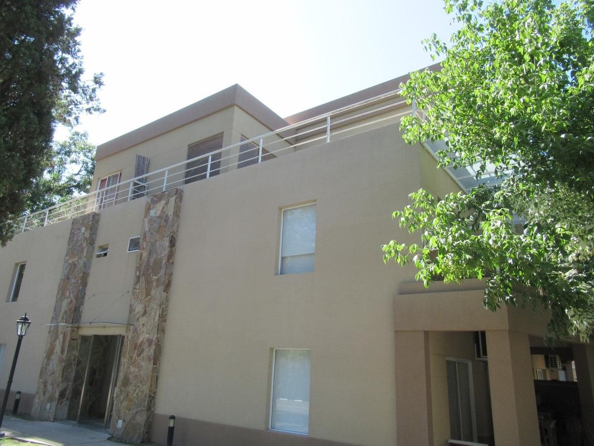 departamento venta p.b. 2 amb., condominio jardines saravi