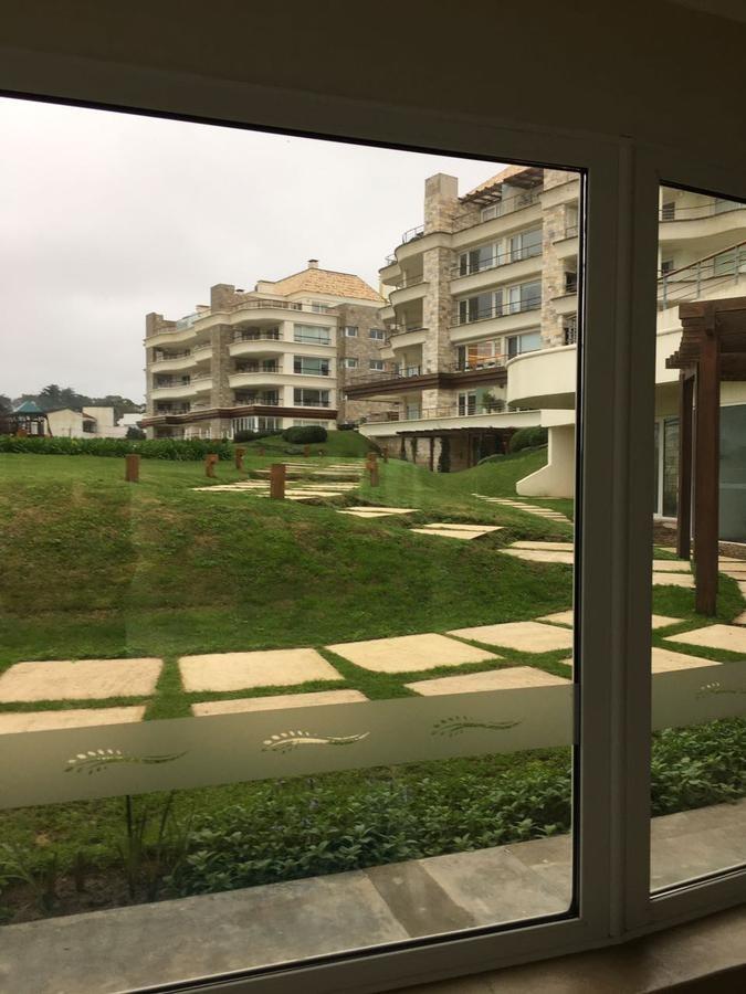 departamento vista al mar de 2 dormitorios  - playa mansa