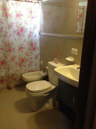 departamentos de 3 ambientes y un baño. 5 personas comodas