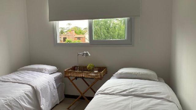 departamentos en alquiler temporario 2 dormitorios  pinares punta del este - dl1058