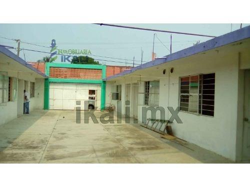 departamentos en venta en colonia del bosque de tuxpan, veracruz, se encuentran ubicados en la calle díaz miron de la colonia del bosque, son 8 departamentos los cuales cuentan con 1 recamara y 1 bañ