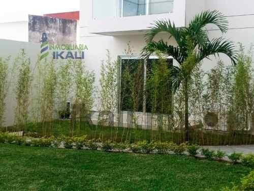 departamentos nuevos en renta en jardines de tuxpan veracruz , se encuentran ubicados en la calle río uxpanapa # 10 de la colonia jardines de tuxpan, cuentan con sala, comedor, cocina integral con ba