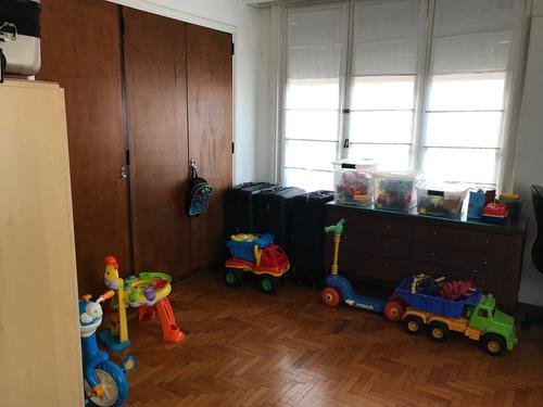 departamentpo en venta 4 ambientes con dependencia. reciclado. baulera. zona centro.