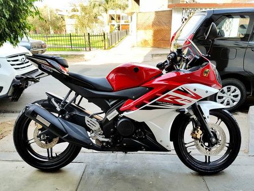 deportiva yamaha moto