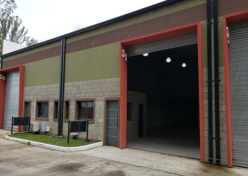 depósito 153 m2 comp. microindustrial! a mts ruta 8