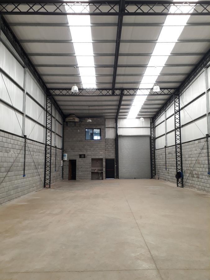 depósito - 300 m2 cubiertos - calle sullivan - area de promoción el triángulo