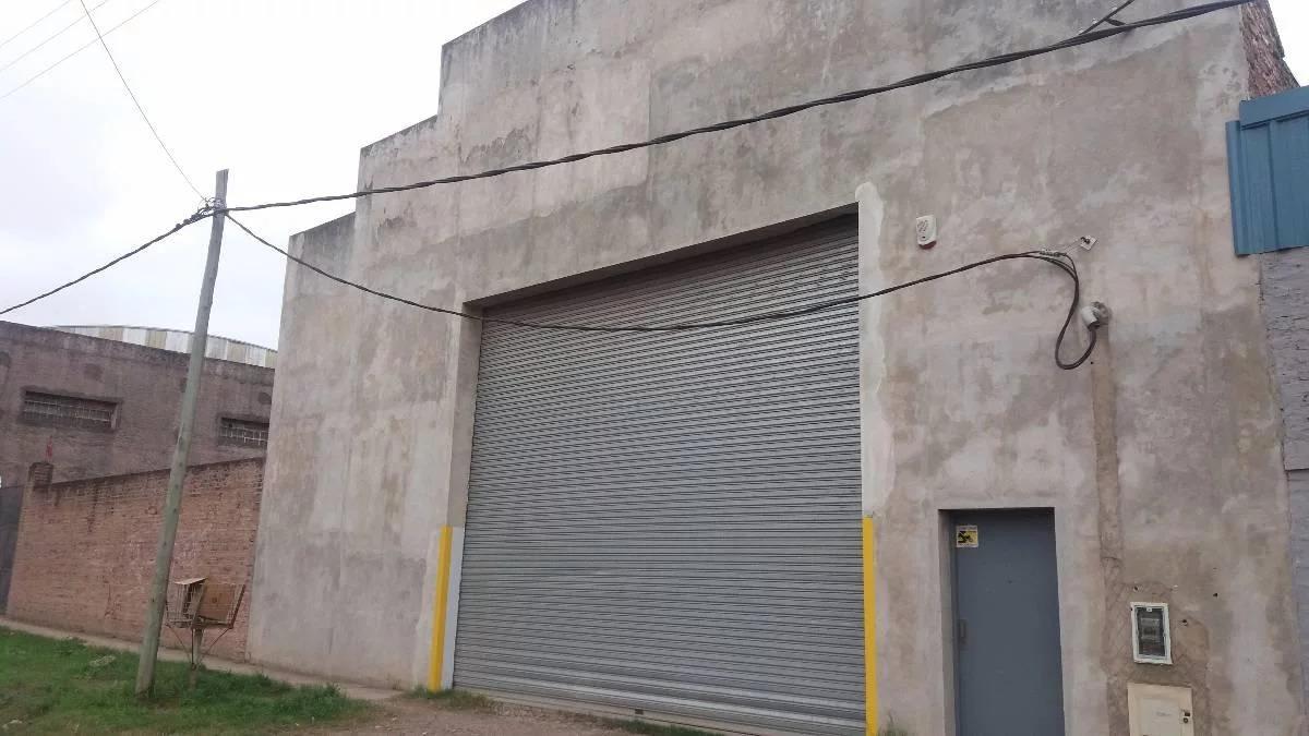 deposito 625 m2
