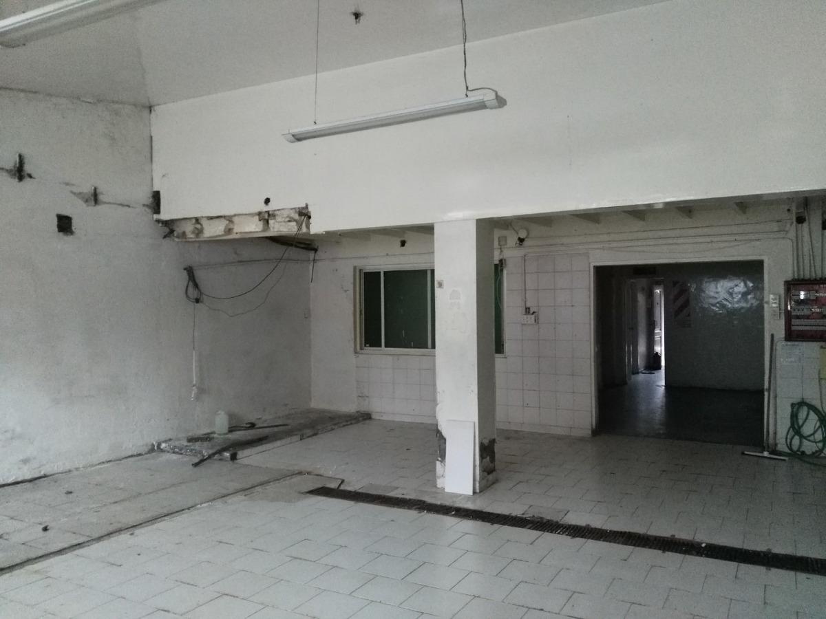 deposito con excelente acceso en zona industrial