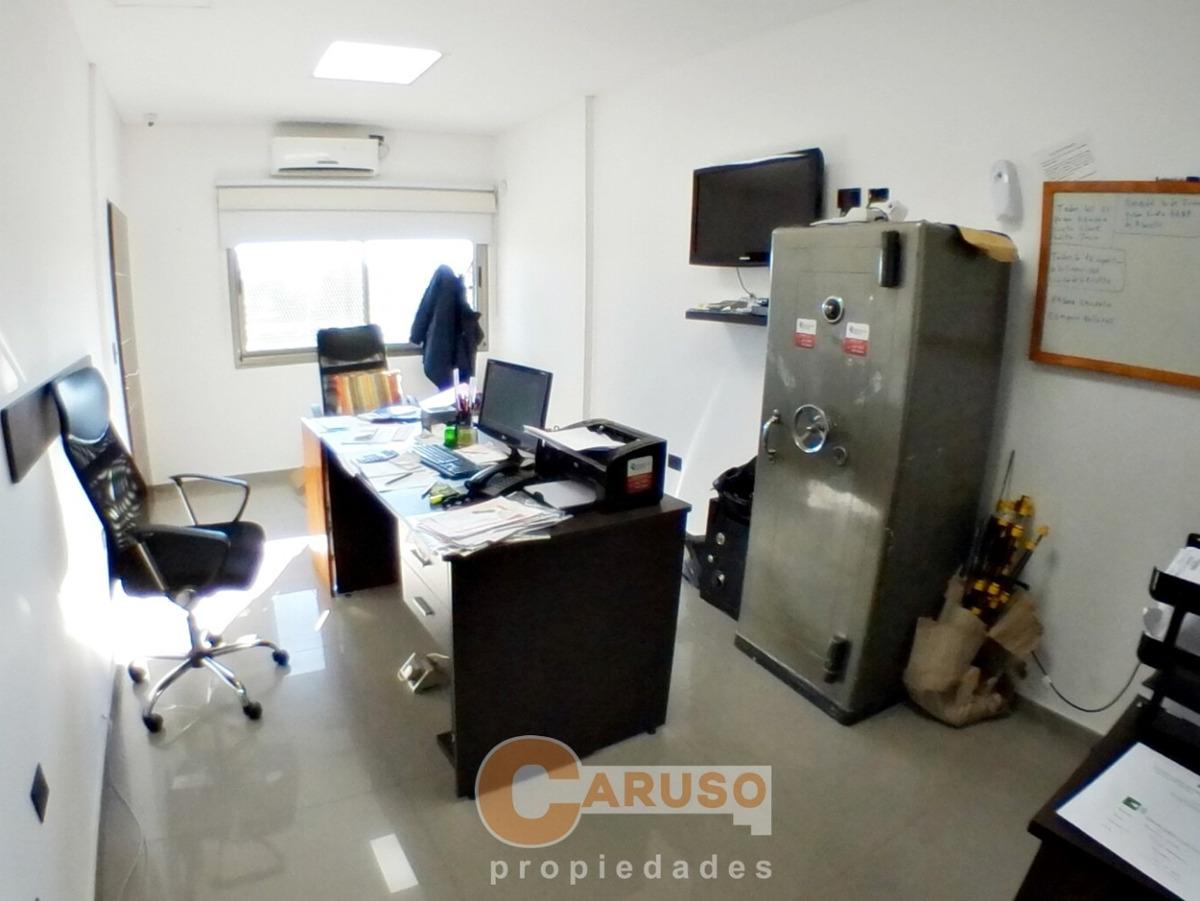 depósito con local y oficinas sobre colectora sur de acceso