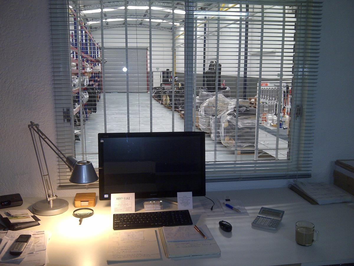 depósito con oficina y techo parabólico de 6 mt - negociables!