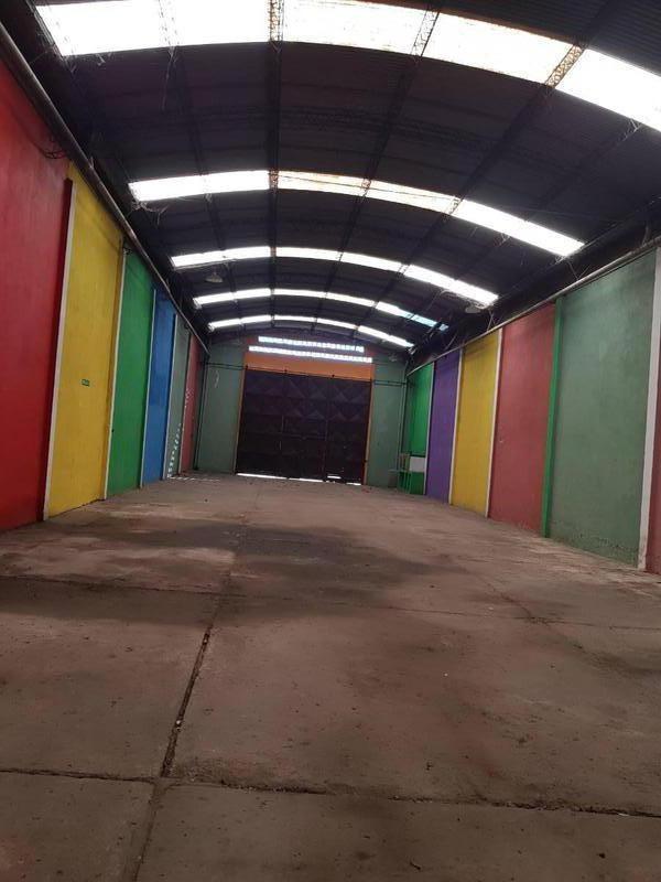 deposito de 1500 m² sobre importante avenida
