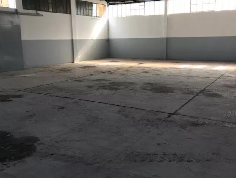 depósito de 550 mts 2 cubiertos y lote de 1,800 mts 2 - manuel b gonnet