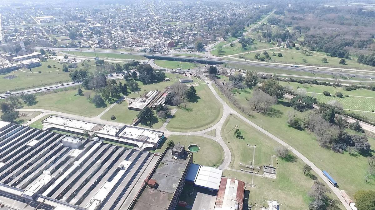 deposito en alquiler  3.000  m2 rotonda gutierrez - ex alpargatas - berazategui zona sur