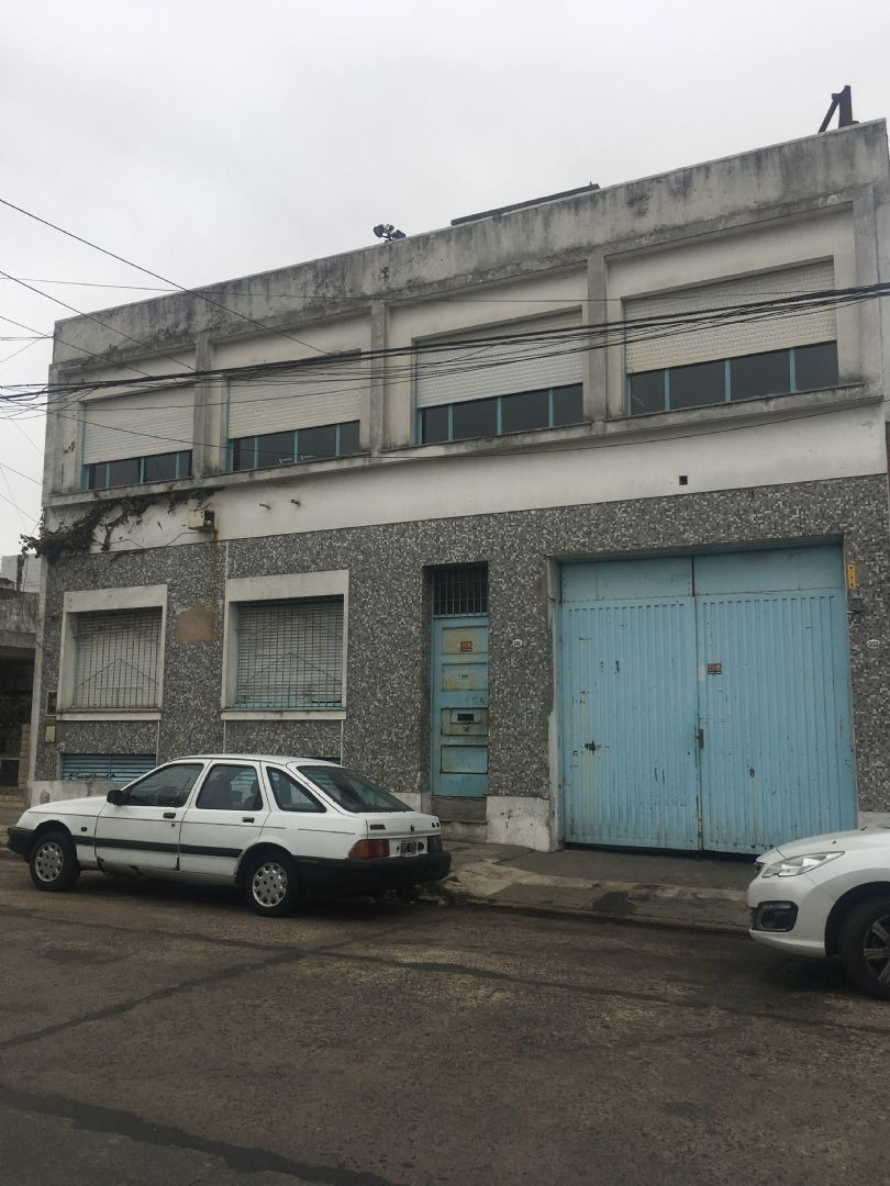 depósito  en venta ubicado en villa lugano, capital federal