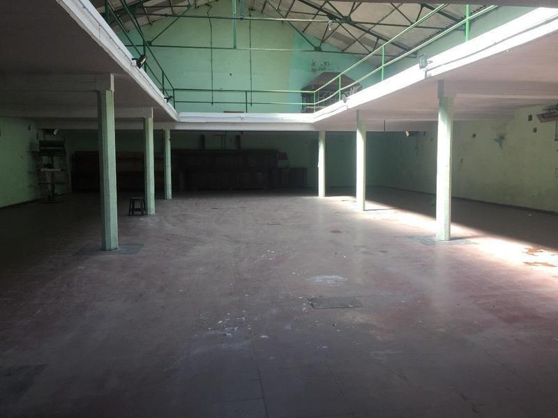 deposito estados unidos 2824 y catamarca 2500 m2