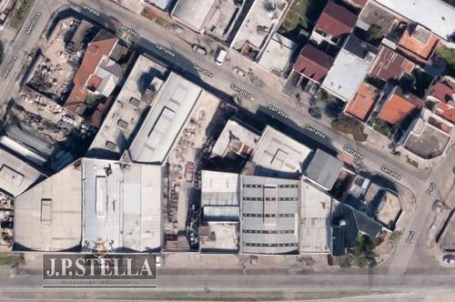 depósito / galpón comercial con salida a 2 calles - 700 m² cubiertos - san justo