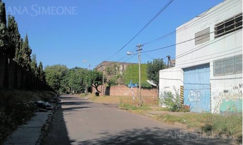 depósito industrial en esquina de 670m2