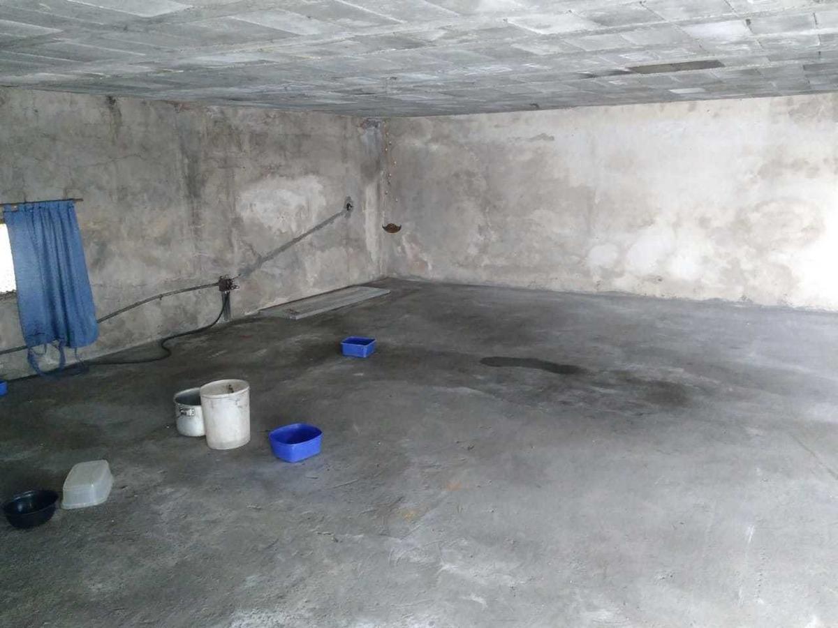 deposito interno de 128 mts2