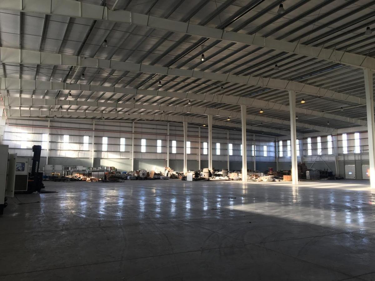 depósito logístico con oficinas sobre buen ayre - 3.050 m2