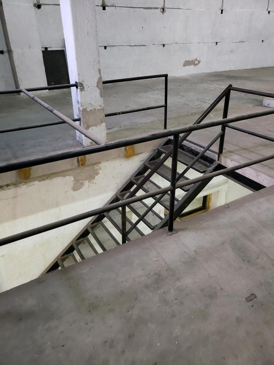 depósito/galpón uso comercial c/ montacarga  villa ortúzar