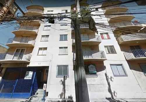 deprtamento con balcón cerca de metro san pedro de los pinos