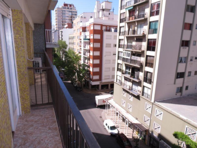 depto 1 ambiente a la calle con balcón - reciclado