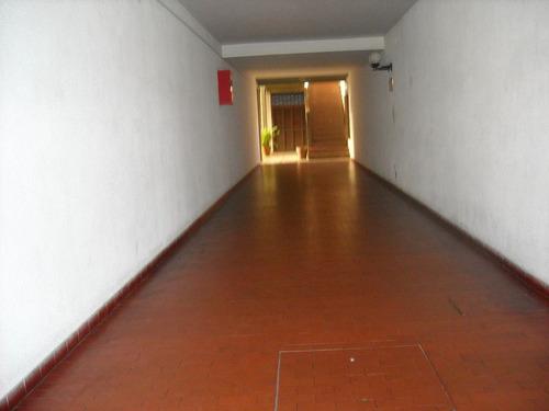 depto 2 1/2 amb. catamarca 2180, 2º piso escalera.