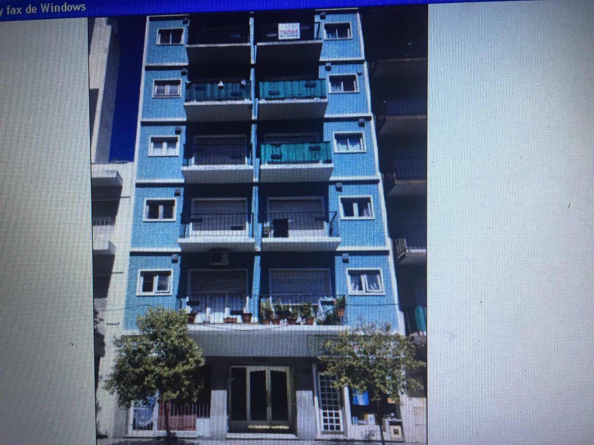 depto 2 amb. balcón calle. mdq