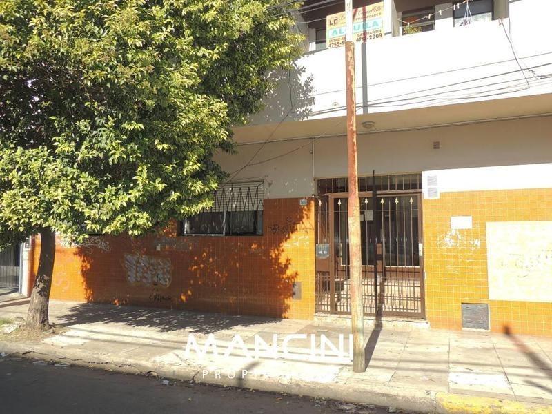 depto. 2 amb. c/ patio en p.b - 5 cuadras de estacion v. ballester